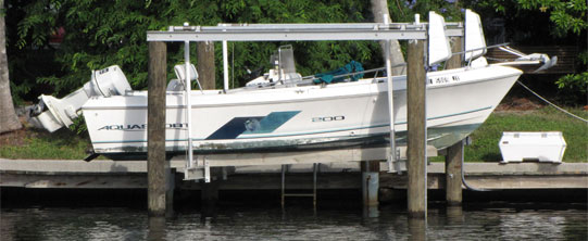 Boat Lift Collier County | Southern Exposure LLC